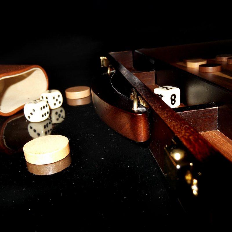 backgammon-302400_1920